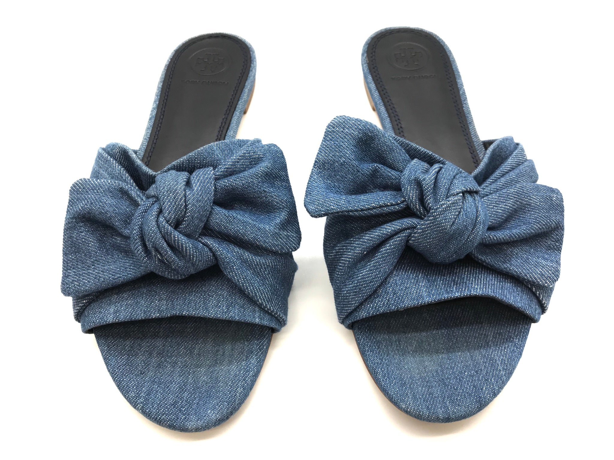 Photo #1 - BRAND: TORY BURCH <BR>STYLE: SANDALS FLAT <BR>COLOR: DENIM <BR>SIZE: 7 <BR>OTHER INFO: AS IS <BR>SKU: 262-26241-34652<BR><BR>ANNABELLE DENIM BOW FLAT. PRICE REFLECTS SOME SLIGHT WEAR TO TOES SHOWN, GOOD OVERALL CONDITION.