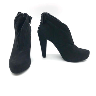 Primary Photo - BRAND: GUESS STYLE: BOOTS ANKLE COLOR: BLACK SIZE: 6 SKU: 262-262101-2315AS IS