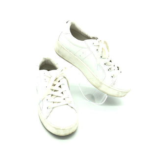 Primary Photo - BRAND: STEVE MADDEN STYLE: SHOES ATHLETIC COLOR: WHITE SIZE: 8 SKU: 262-26275-75298GENTLE WEAR - AS IS
