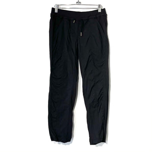 Primary Photo - BRAND: LULULEMON STYLE: ATHLETIC PANTS COLOR: BLACK SIZE: 6 SKU: 262-26275-73949DESIGNER FINAL