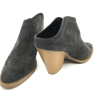 Primary Photo - BRAND: DOLCE VITA STYLE: BOOTS ANKLE COLOR: GREY SIZE: 8.5 SKU: 262-26275-67781