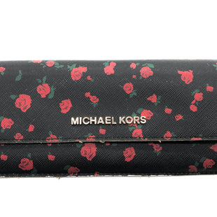 "Primary Photo - BRAND: MICHAEL KORS STYLE: WALLET COLOR: FLORAL SIZE: MEDIUM OTHER INFO: AS IS SLIGHT WEAR EDGES SMOKESMELL SKU: 262-26241-46315APPROX. 7.75""L X 3.75""H. SOME VISIBLE WEAR TO EDGES, INTERIOR"