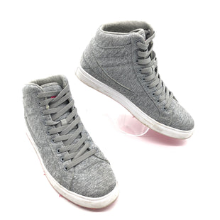 Primary Photo - BRAND: FILA STYLE: SHOES ATHLETIC COLOR: GREY SIZE: 8.5 SKU: 262-26275-76736IN GOOD SHAPE AND CONDITION