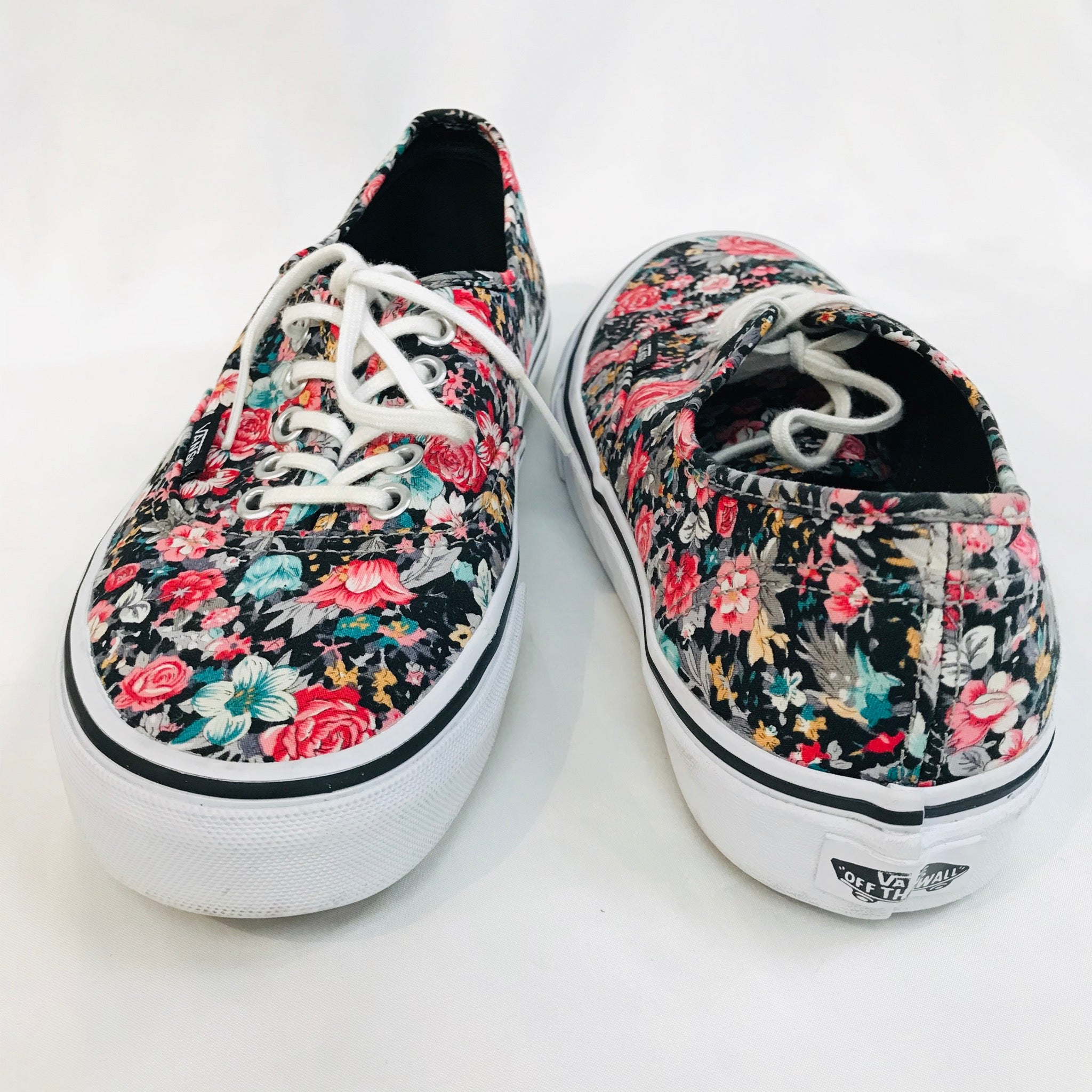 Photo #1 - BRAND: VANS <BR>STYLE: SHOES ATHLETIC <BR>COLOR: FLORAL <BR>SIZE: 8 <BR>SKU: 262-26275-49839<BR>AS IS