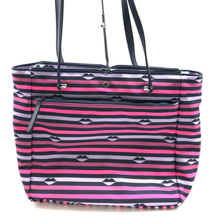 "Primary Photo - BRAND: KATE SPADE STYLE: HANDBAG DESIGNER COLOR: STRIPED SIZE: MEDIUM SKU: 262-26241-44772APPROX. 17.5""L X 12""H X 5.25""D"