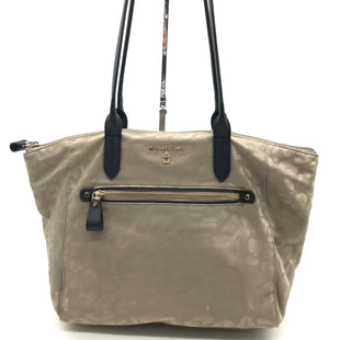 "Primary Photo - BRAND: MICHAEL KORS STYLE: HANDBAG DESIGNER COLOR: BEIGE SIZE: MEDIUM 10.5""H X 16""L X 4.5""WSTRAP DROP: 10"" SKU: 262-26285-2455SLIGHT SPOTS AROUND LOWER EXTERIOR • SLIGHT STAINS ON THE INTERIOR LINING • AS IS"