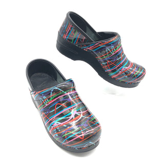 Primary Photo - BRAND: DANSKO STYLE: SHOES FLATS COLOR: MULTI SIZE: 6.5 | 37SKU: 262-26275-78796IN GOOD SHAPE AND CONDITION