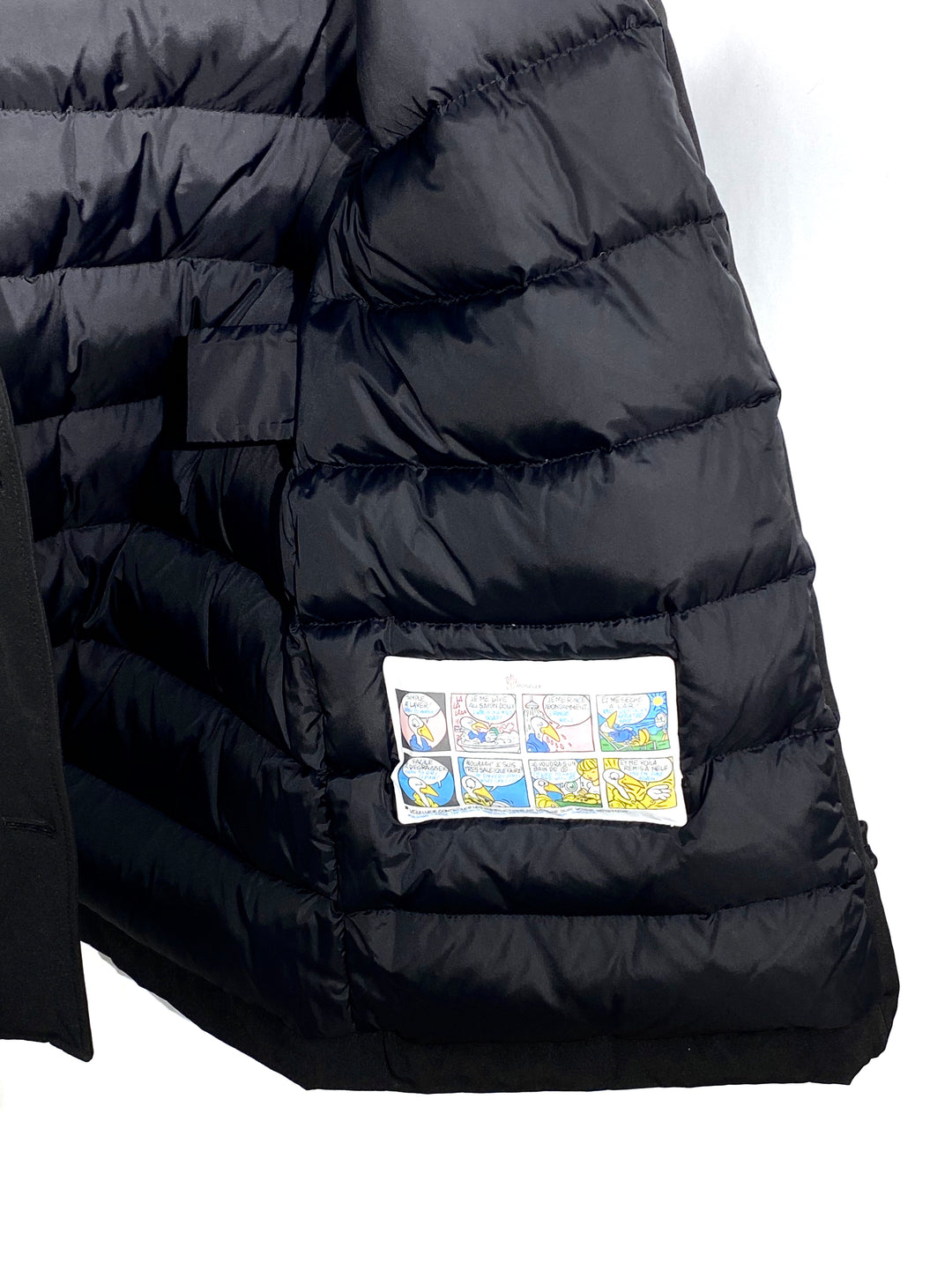 "Photo #3 - <P>BRAND: MONCLER<BR>STYLE: COAT<BR>COLOR: BLACK <BR>SIZE: 2/M<BR>OTHER INFO: MONCLER - <BR>SKU: 262-26275-64992<BR><BR>DESIGNER FINAL <BR>GREAT CONDITION SLIGHTEST FADE ON POCKET CORNERS (SEE PICS)<BR>PIT TO HEM 20""</P> <P>THIS FITS LIKE SIZE 10</P>"