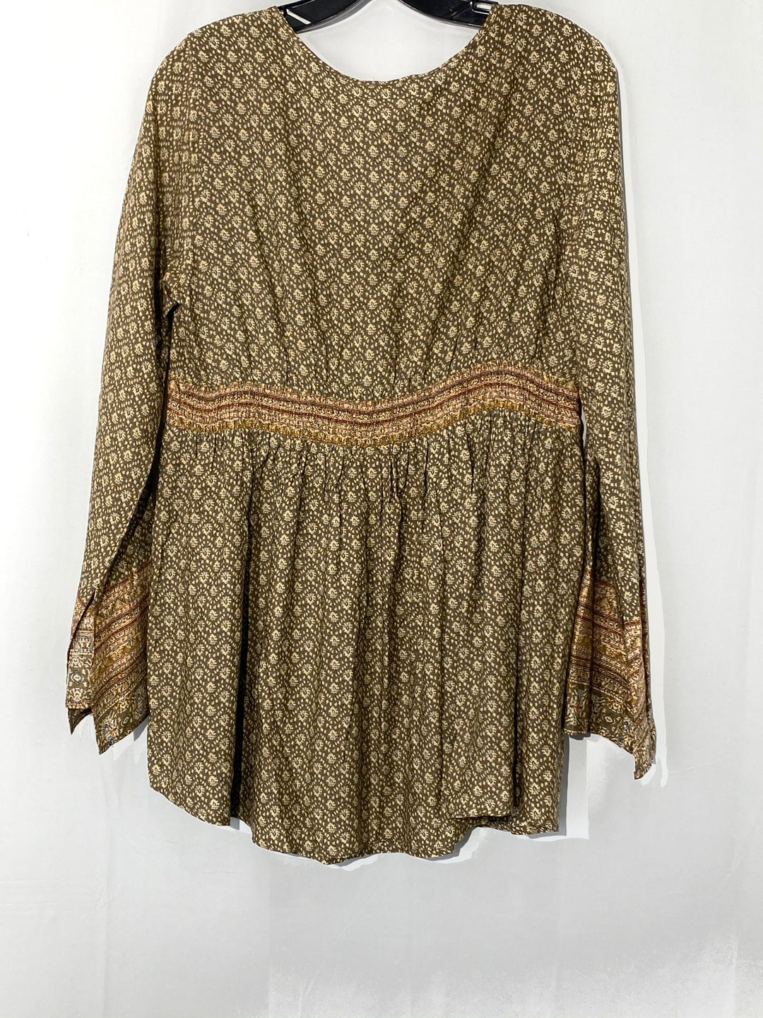 Photo #1 - BRAND: MYSTREE <BR>STYLE: TOP LONG SLEEVE <BR>COLOR: GEOMETRIC TAN<BR>SIZE: S <BR>SKU: 262-26275-69274