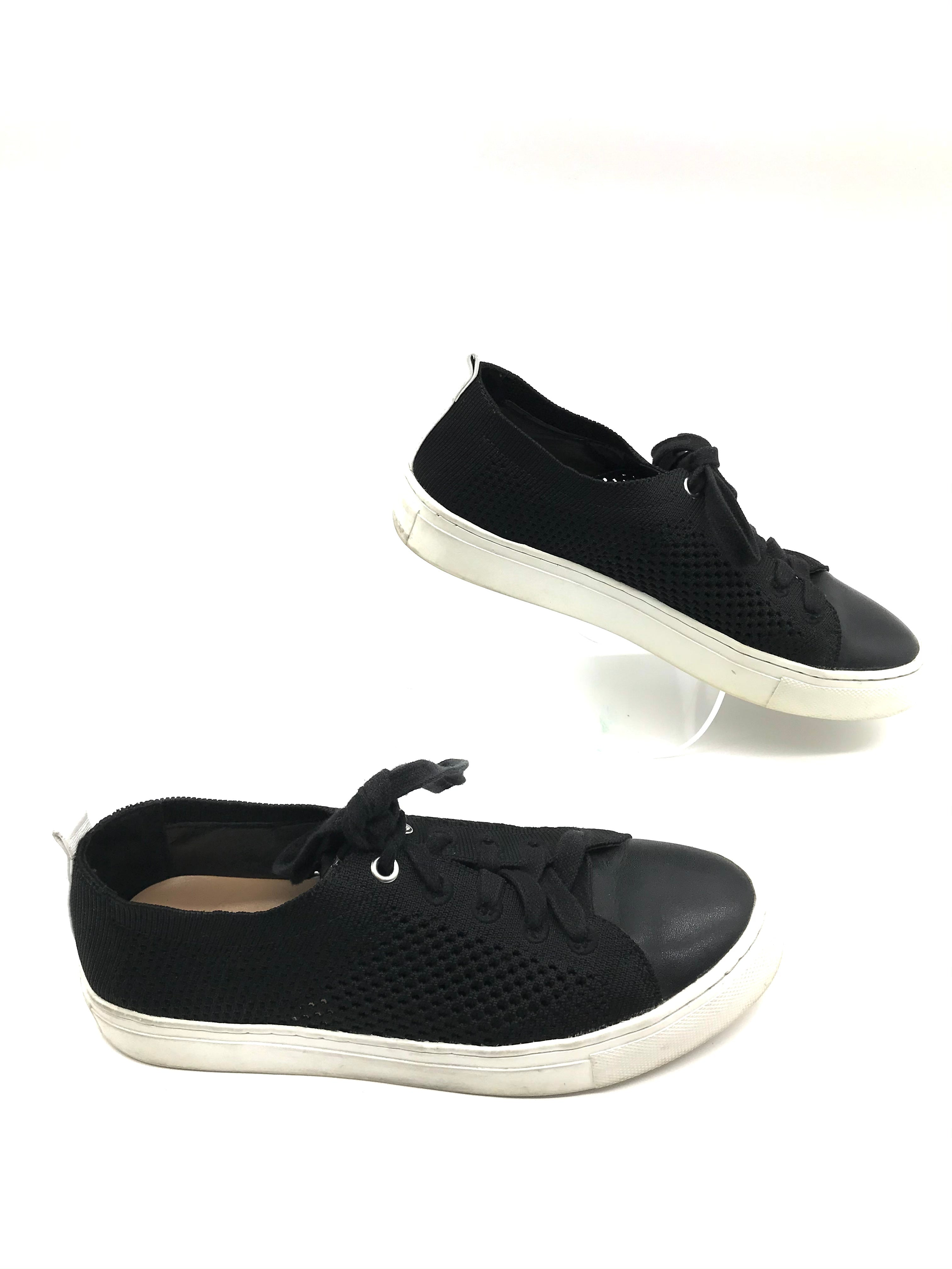 Photo #1 - BRAND: BANANA REPUBLIC <BR>STYLE: SHOES ATHLETIC <BR>COLOR: BLACK <BR>SIZE: 6 <BR>SKU: 262-26285-2714<BR><BR>SLIGHT SPOTS TO WHITE SOLE
