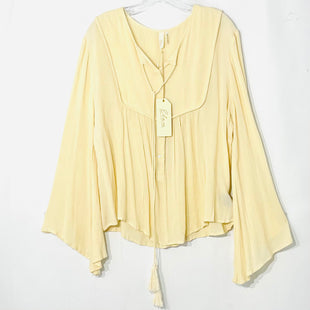 Primary Photo - BRAND: ELAN STYLE: BLOUSE COLOR: CREAM SIZE: M SKU: 262-26275-78144