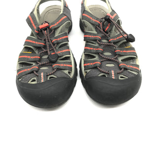 Primary Photo - BRAND: KEEN STYLE: SANDALS FLAT COLOR: GREY SIZE: 8 SKU: 262-26241-42637. SOME SLIGHT DIRT/WEAR TO BOTTOM SOLE.