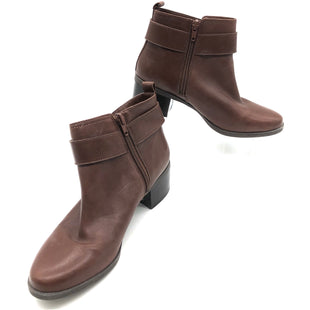 Primary Photo - BRAND: ANNE KLEIN STYLE: BOOTS ANKLE COLOR: BROWN SIZE: 7 SKU: 262-26275-77830