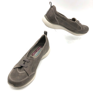 Primary Photo - BRAND: SKECHERS STYLE: SHOES ATHLETIC COLOR: TAUPE SIZE: 6 SKU: 262-26241-45326