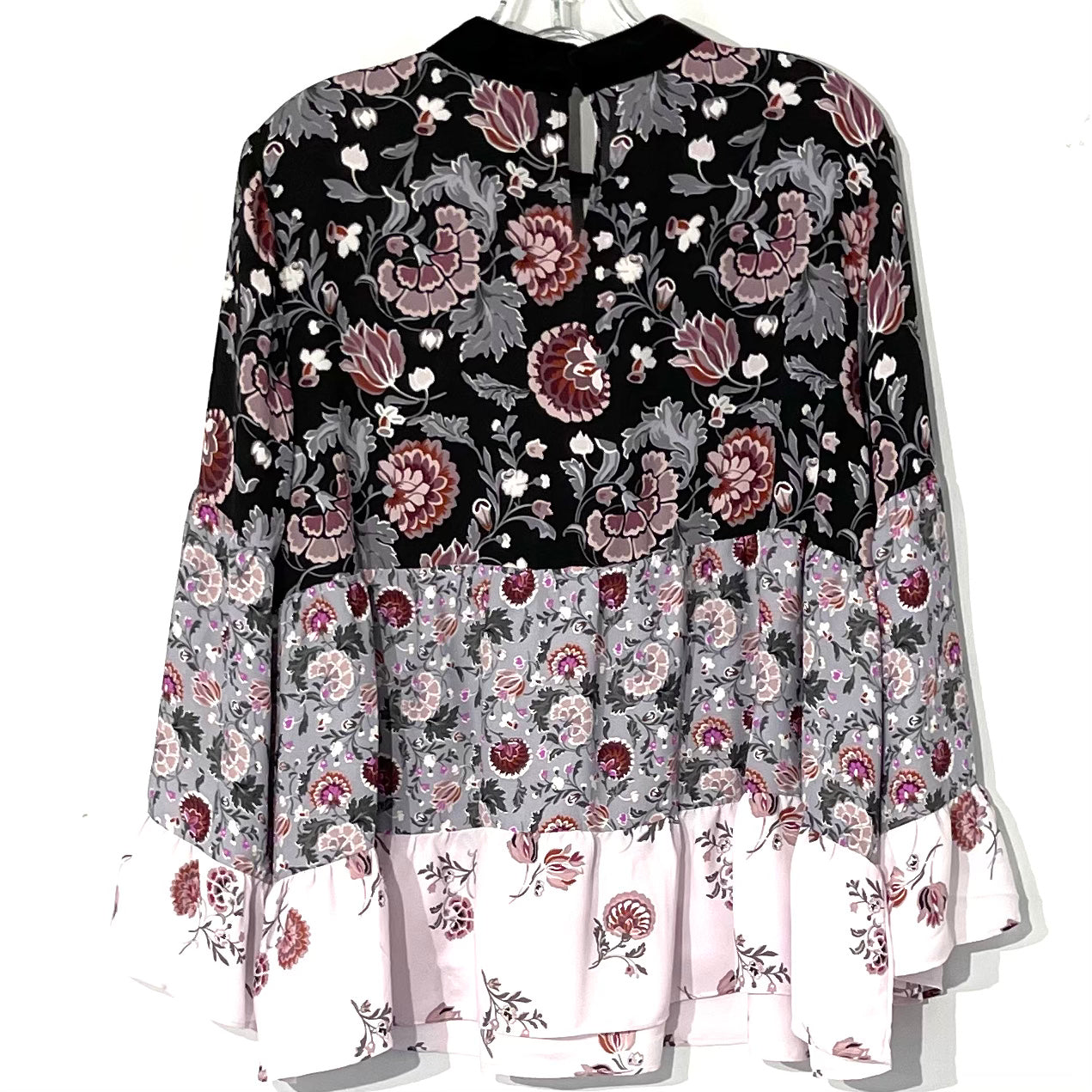 Photo #1 - BRAND: ANN TAYLOR LOFT <BR>STYLE: TOP LONG SLEEVE <BR>COLOR: FLORAL <BR>SIZE: L <BR>OTHER INFO: SLIGHT RUN AS IS <BR>SKU: 262-26241-41011