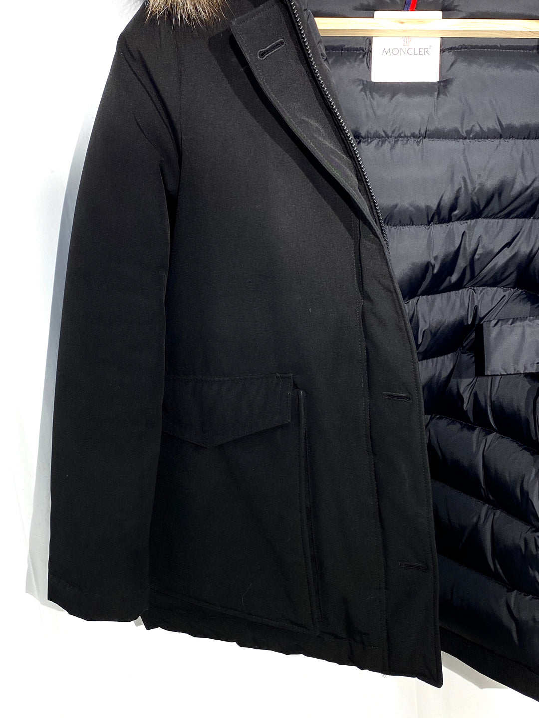 "Photo #4 - <P>BRAND: MONCLER<BR>STYLE: COAT<BR>COLOR: BLACK <BR>SIZE: 2/M<BR>OTHER INFO: MONCLER - <BR>SKU: 262-26275-64992<BR><BR>DESIGNER FINAL <BR>GREAT CONDITION SLIGHTEST FADE ON POCKET CORNERS (SEE PICS)<BR>PIT TO HEM 20""</P> <P>THIS FITS LIKE SIZE 10</P>"