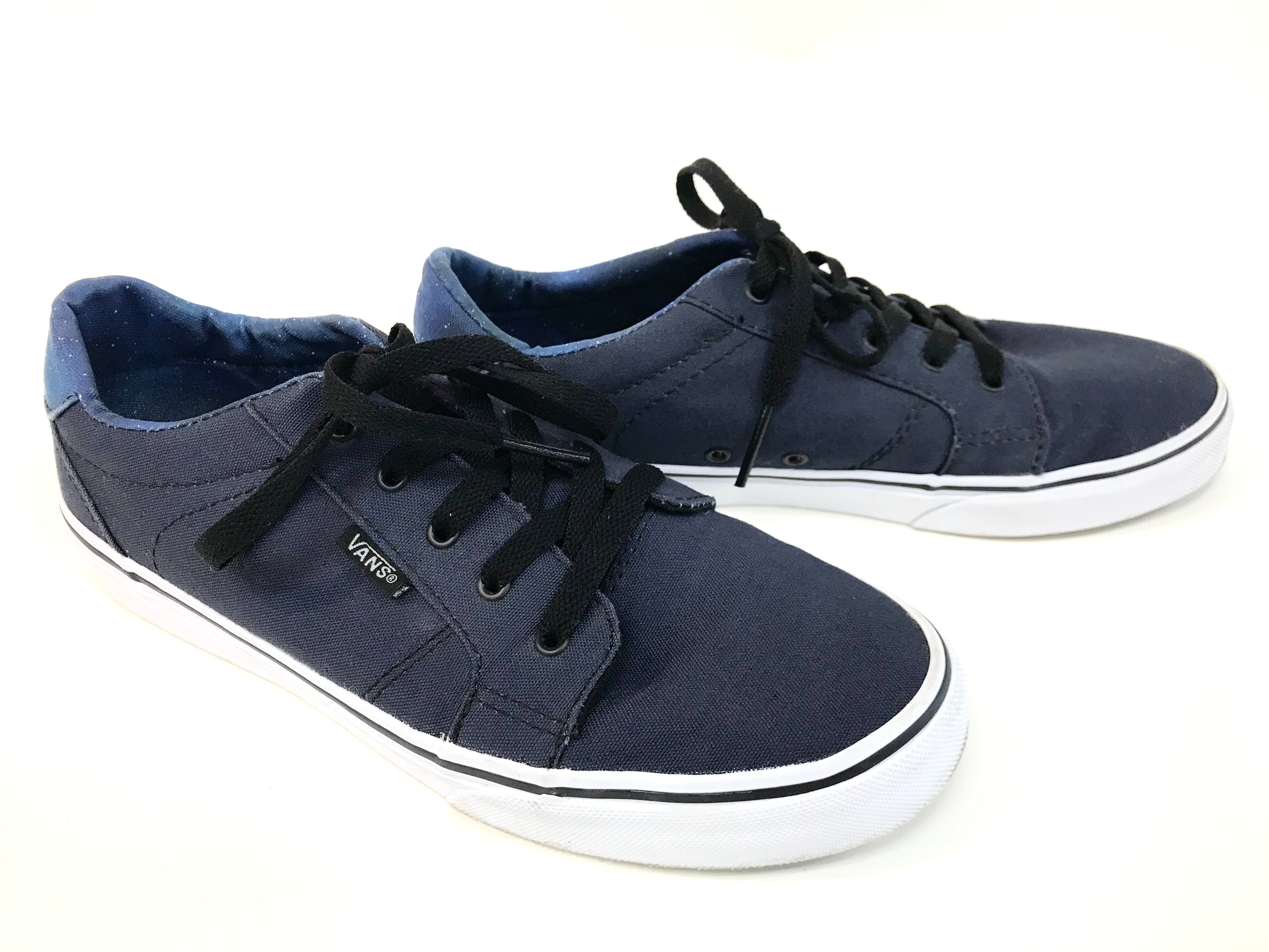 Photo #2 - BRAND: VANS <BR>STYLE: SHOES ATHLETIC <BR>COLOR: NAVY <BR>SIZE: 6 <BR>SKU: 262-26275-62214<BR>GENTLE WEAR SHOWS <BR>FINAL SALE - AS IS
