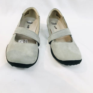 Primary Photo - BRAND: CLARKS STYLE: SHOES FLAT COLOR: GREY SIZE: 11SKU: 262-26241-33304AS IS