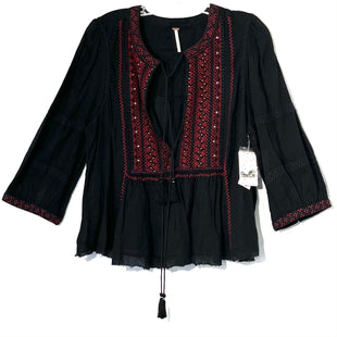Primary Photo - BRAND: FREE PEOPLE STYLE: TOP LONG SLEEVE COLOR: BLACK RED SIZE: L SKU: 262-26275-74594