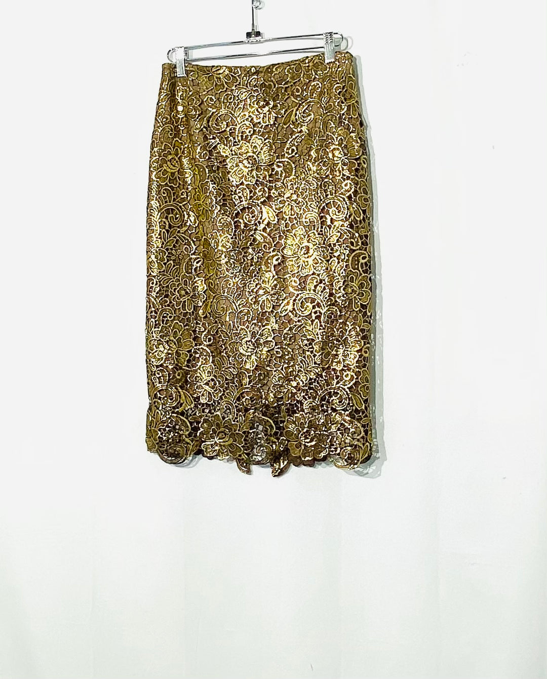 Primary Photo - BRAND: WHITE HOUSE BLACK MARKET <BR>STYLE: SKIRT <BR>COLOR: GOLD <BR>SIZE: XS /2<BR>SKU: 262-26275-70619
