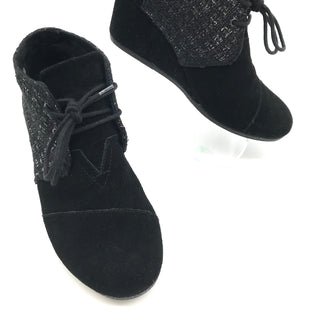 Primary Photo - BRAND: TOMS STYLE: BOOTS ANKLE COLOR: BLACK WHITE SIZE: 9 SKU: 262-26275-71212GENTLE WEAR - AS IS