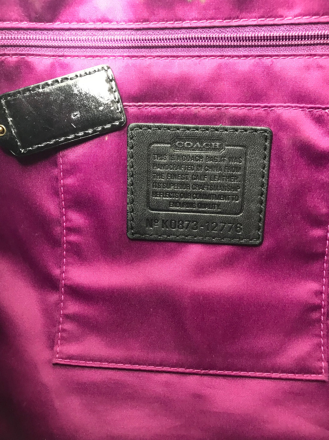 Photo #5 - BRAND: COACH <BR>STYLE: HANDBAG DESIGNER <BR>COLOR: BLACK <BR>SIZE: LARGE <BR>SKU: 262-26275-64721<BR>GENTLE WEAR SHOWS, CRACKS AROUND THE EDGES OF THE STRAP AND SOME STAIN SPOTS ON THE INTERIOR LINING. OVERALL IN GOOD SHAPE AND CONDITION. <BR>DESIGNER BRAND - FINAL SALE