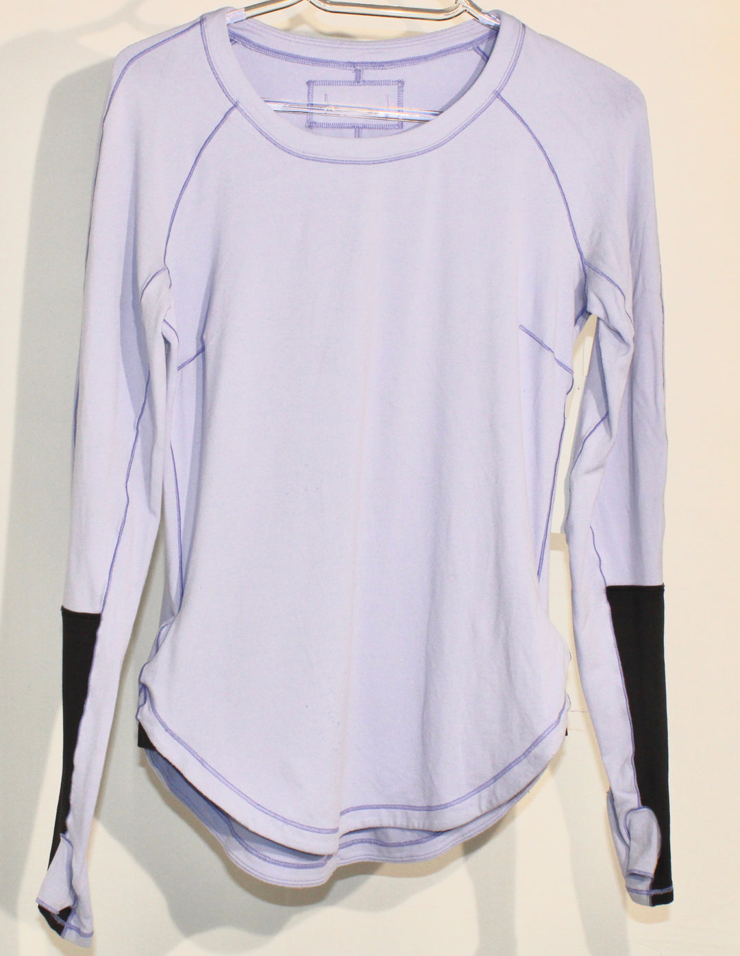 Primary Photo - BRAND: LULULEMON <BR>STYLE: ATHLETIC TOP <BR>COLOR: LILAC <BR>SIZE: 4 <BR>SKU: 262-26285-2692<BR><BR>GENTLE WEAR AS IS <BR>DESIGNER FINAL