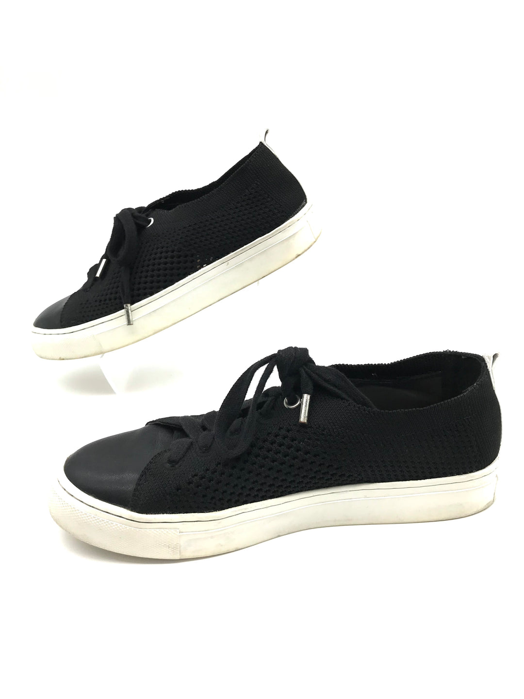 Photo #2 - BRAND: BANANA REPUBLIC <BR>STYLE: SHOES ATHLETIC <BR>COLOR: BLACK <BR>SIZE: 6 <BR>SKU: 262-26285-2714<BR><BR>SLIGHT SPOTS TO WHITE SOLE