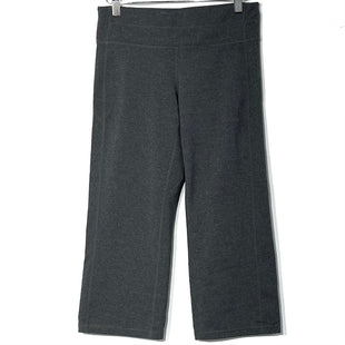 Primary Photo - BRAND: ATHLETA STYLE: ATHLETIC CAPRIS COLOR: GREY SIZE: M SKU: 262-26275-76992