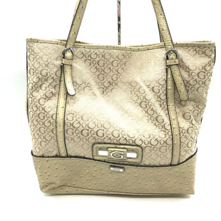 "Primary Photo - BRAND: GUESS STYLE: HANDBAG COLOR: BEIGE SIZE: LARGESKU: 262-26275-73265APPROX. 16""L X 14""H X 4.5""D"