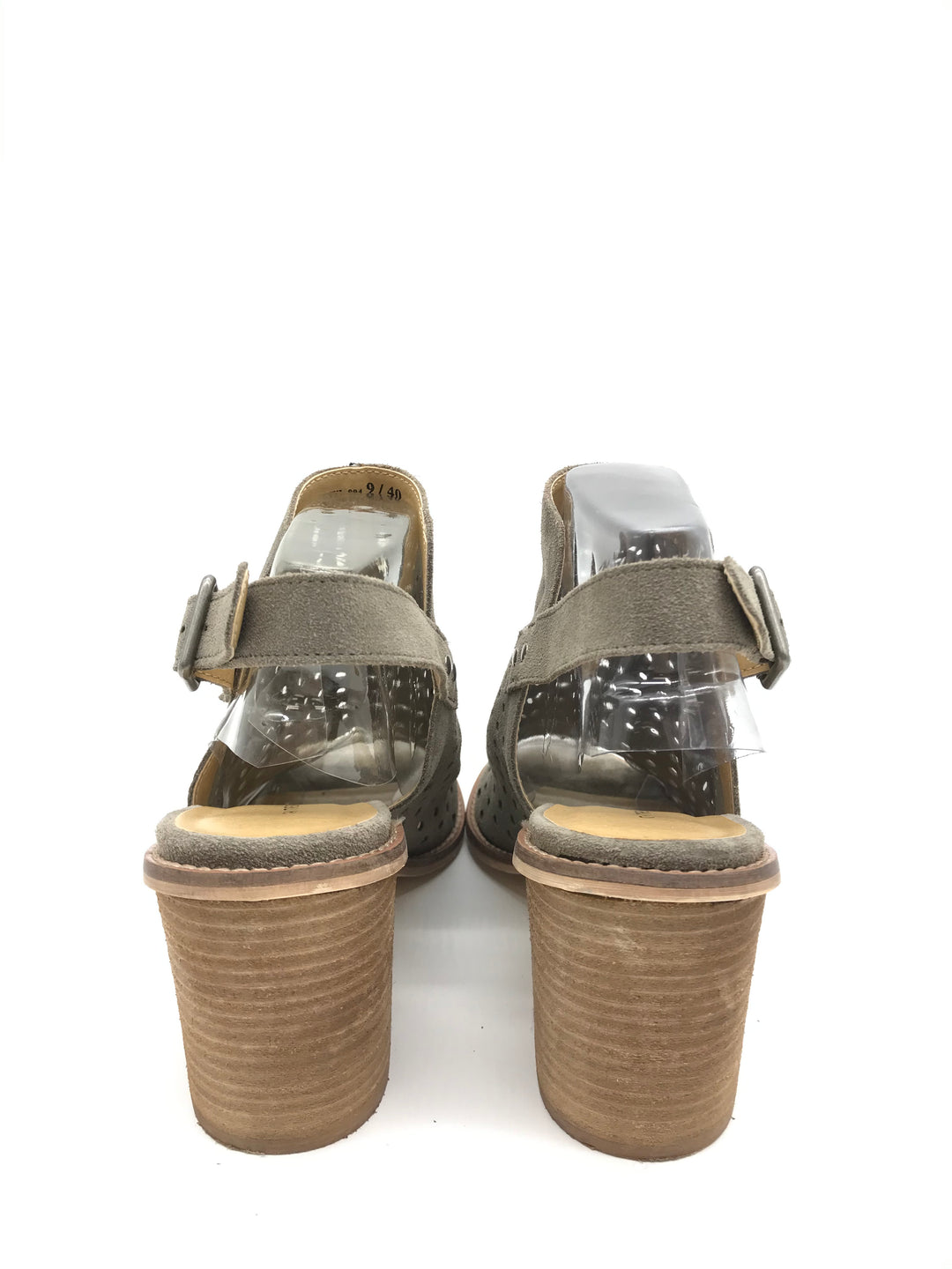 Photo #2 - BRAND: CHINESE LAUNDRY <BR>STYLE: SANDALS LOW <BR>COLOR: TAN <BR>SIZE: 9 <BR>SKU: 262-26275-69919<BR>SLIGHT WEAR - AS IS