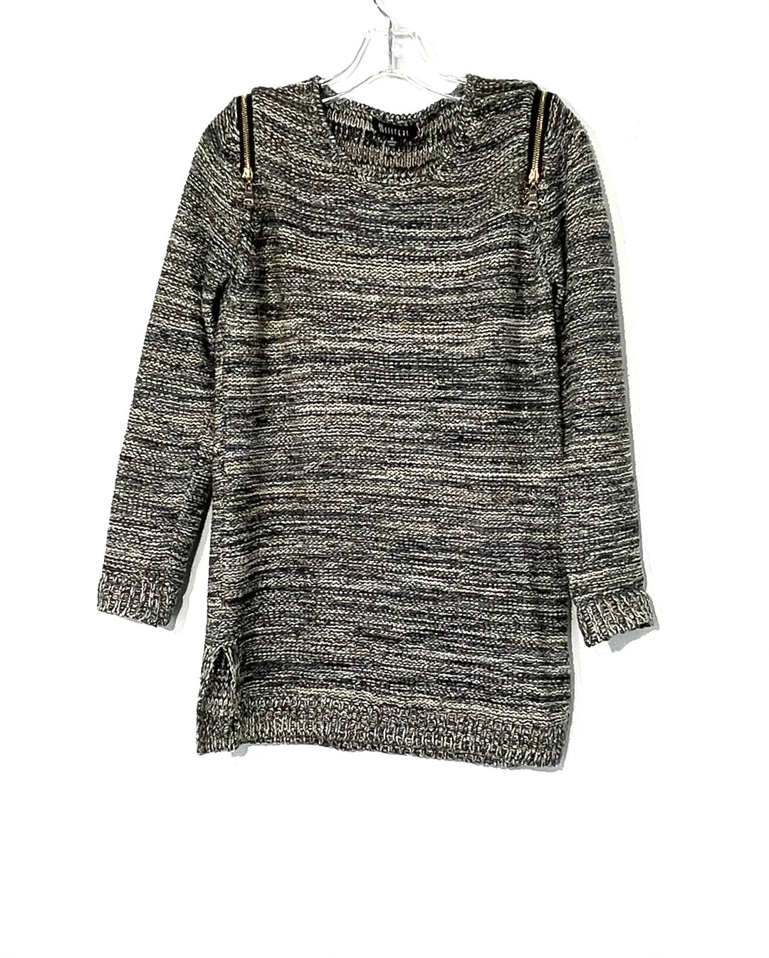 Primary Photo - BRAND:    SISTERS<BR>STYLE: SWEATER LIGHTWEIGHT <BR>COLOR: GREY SPARKLES<BR>SIZE: S <BR>OTHER INFO: SISTERS - <BR>SKU: 262-26275-73518<BR>PHOTOS DON'T SHOW THE SPARKLES