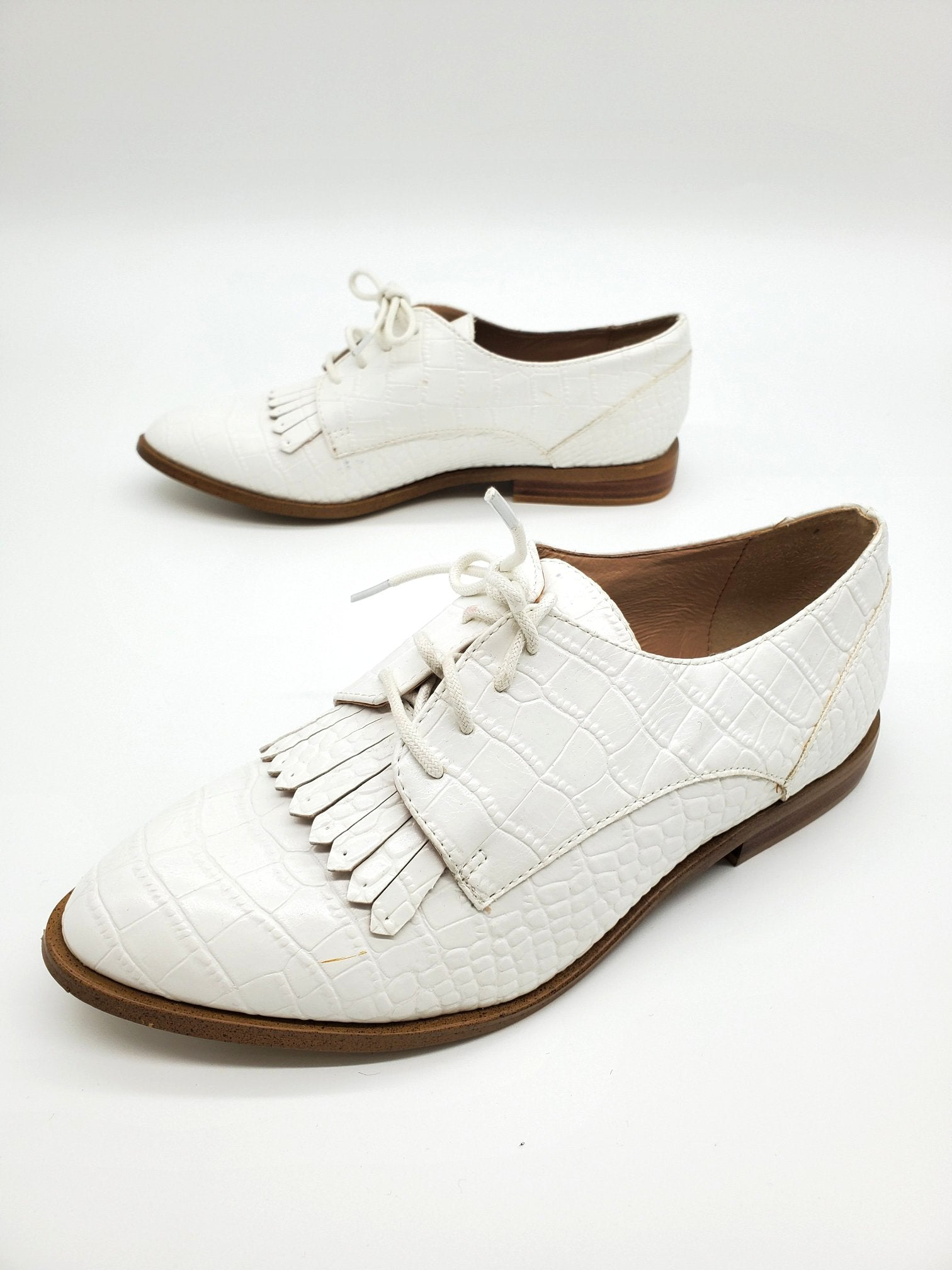 Photo #1 - BRAND: KENSIE <BR>STYLE: SHOES FLATS <BR>COLOR: WHITE <BR>SIZE: 7 <BR>SKU: 262-26275-64174<BR>AS IS SLIGHT SPOTS <BR>