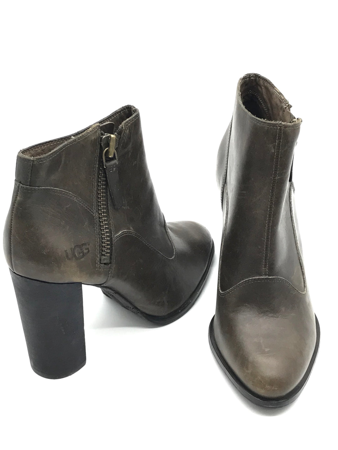 Photo #1 - BRAND: UGG <BR>STYLE: BOOTS ANKLE <BR>COLOR: OLIVE <BR>SIZE: 9.5 <BR>SKU: 262-26241-24062<BR>GENTLE WEAR SHOWS - AS IS <BR>DESIGNER BRAND - FINAL SALE