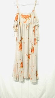 Photo #1 - <P>BRAND: FREE PEOPLE <BR>STYLE: DRESS SHORT SHORT SLEEVE <BR>COLOR: FLORAL GREY<BR>SIZE: M <BR>SKU: 262-26241-43506</P> <P>ACTUAL COLOR MORE GREY THAN PHOTO SHOWS</P>
