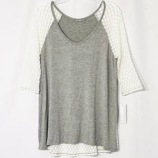 Primary Photo - BRAND: LOVEAPPELLA STYLE: TOP 3/4 LONG SLEEVE COLOR: GREY WHITE SIZE: XL SKU: 262-26275-756968% SPANDEX