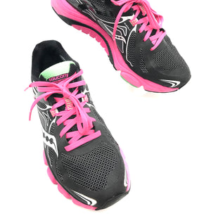 Primary Photo - BRAND: SAUCONY STYLE: SHOES ATHLETIC COLOR: PINKBLACK SIZE: 8.5 SKU: 262-26275-70167GENTLE WEAR - AS IS