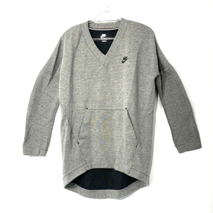 Primary Photo - BRAND: NIKE APPAREL STYLE: ATHLETIC TOP LONG SLEEVE COLOR: GREY SIZE: S SKU: 262-26275-74093