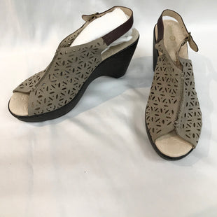 Primary Photo - BRAND: JAMBU STYLE: LOW HEEL SANDALSCOLOR: TANSIZE: 11MSKU: 262-26275-41644