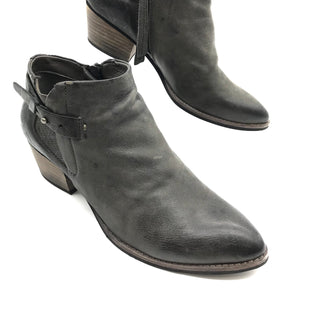 Primary Photo - BRAND: DOLCE VITA STYLE: BOOTS ANKLE COLOR: GREY SIZE: 8.5 SKU: 262-26275-68446WEAR SHOWS - AS IS