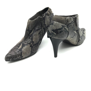 Primary Photo - BRAND: IMPO STYLE: BOOTS ANKLE COLOR: SNAKESKIN PRINT SIZE: 7.5 SKU: 262-26275-73274