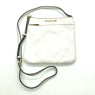 "Primary Photo - BRAND: MICHAEL KORS STYLE: HANDBAG DESIGNER COLOR: WHITE SIZE: SMALL SKU: 262-26241-466798"" L X 9"" H X 1/2"" W"