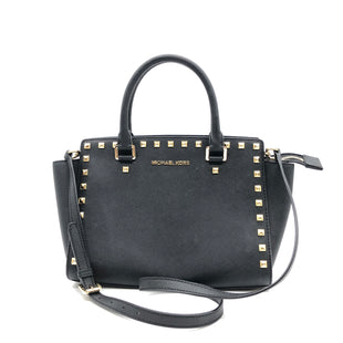 "Primary Photo - BRAND: MICHAEL KORS STYLE: HANDBAG DESIGNER COLOR: BLACK SIZE: MEDIUM 9""H X 11""L X 4""WSTRAP: 17.5"" SKU: 262-26275-77940IN GREAT SHAPE AND CONDITION"