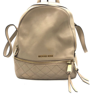 "Primary Photo - BRAND: MICHAEL KORS STYLE: BACKPACK COLOR: BEIGE SIZE: SMALL OTHER INFO: AS IS SKU: 262-26275-76601APPROX. 10""L X 12""H X 5.5""D"