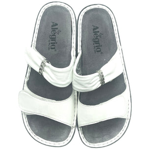 Primary Photo - BRAND: ALEGRIA STYLE: SANDALS FLAT COLOR: WHITE SIZE: 8 SKU: 262-262101-3568