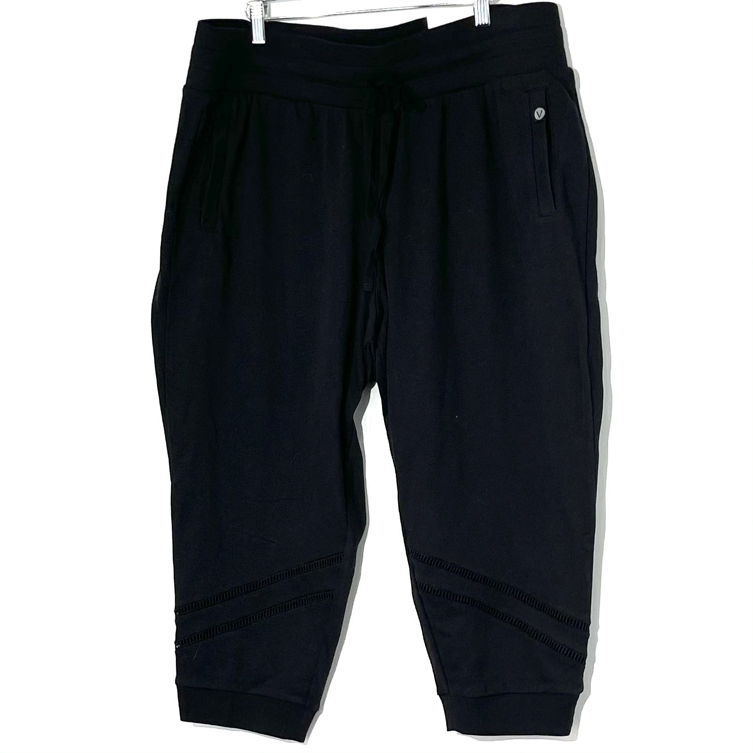 Primary Photo - BRAND: LIVI ACTIVE <BR>STYLE: ATHLETIC CAPRIS <BR>COLOR: BLACK <BR>SIZE: 1X /18-20<BR>SKU: 262-26275-77476