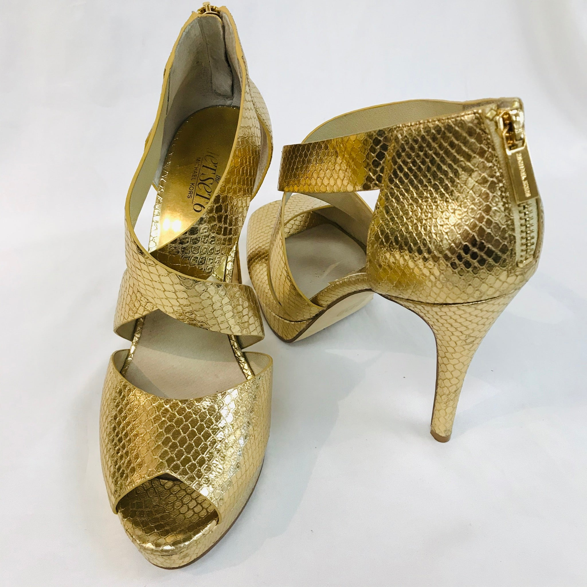 Photo #1 - BRAND: MICHAEL KORS O <BR>STYLE: SANDALS HIGH HEEL<BR>COLOR: GOLD <BR>SIZE: 9 M<BR>SKU: 262-26211-124319<BR>AS IS