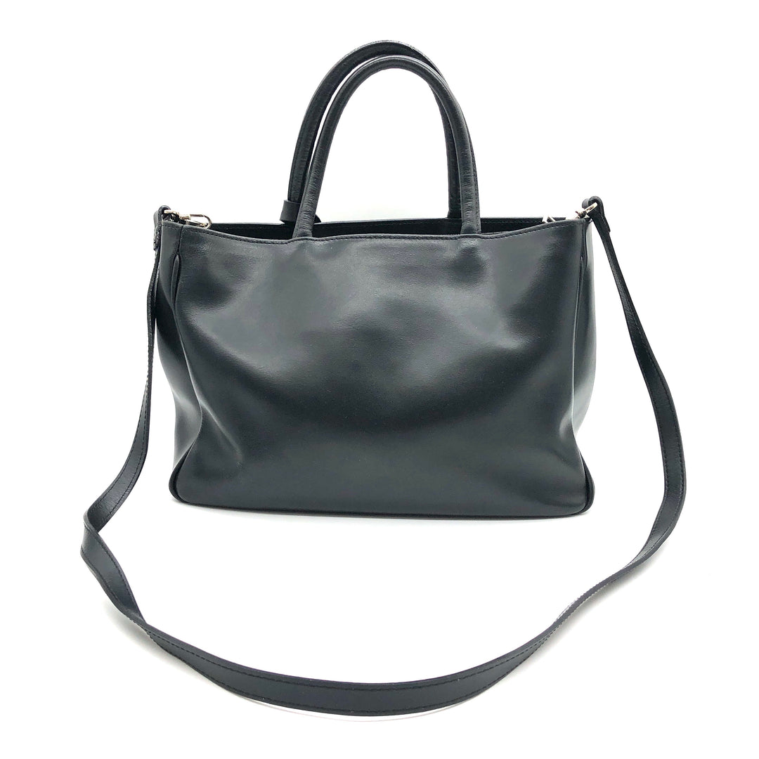 "Photo #2 - BRAND: FURLA <BR>STYLE: HANDBAG DESIGNER <BR>COLOR: BLACK <BR>SIZE: SMALL <BR>OTHER INFO: AS IS SLIGHT WEAR CORNERS <BR>SKU: 262-26241-46681<BR>13"" L X 8"" H X 4"" D<BR>DROP 5"""