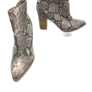 Primary Photo - BRAND: CARLOS SANTANA STYLE: BOOTS ANKLE COLOR: SNAKESKIN PRINT SIZE: 8 SKU: 262-26275-68352
