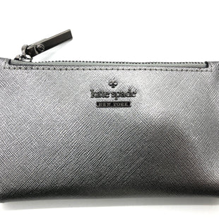 "Primary Photo - BRAND: KATE SPADE STYLE: WALLET COLOR: SILVER SIZE: SMALL SKU: 262-26211-142975APPROX. 5.5""L X 3""H"